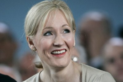 Scholastic to publish J.K. Rowling's 'Fantastic Beasts' screenplay