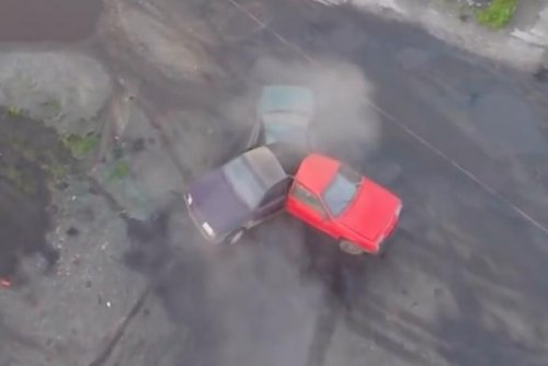 Russian auto enthusiasts weld three cars into a massive fidget spinner
