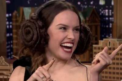 Daisy Ridley plays Whisper Challenge with Jimmy Fallon on 'Tonight Show'