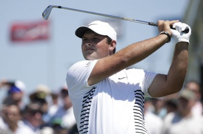 Golfer Patrick Reed flips out about camera crew making noise with change
