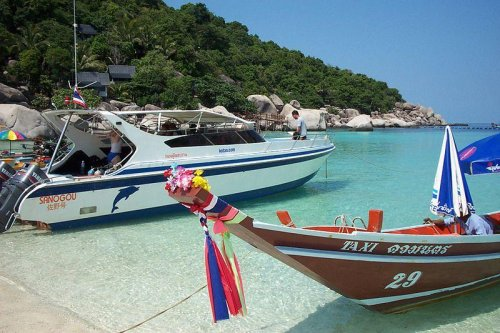Man confesses to killing two British tourists in Thailand
