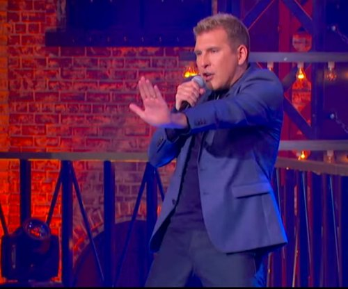 Todd Chrisley performs 'Blurred Lines' on 'Lip Sync Battle'