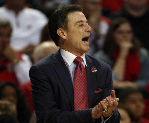 John Calipari calls out Rick Pitino in stripper scandal; Pitino fires back
