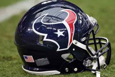 Colvin's potential season-ending injury adds to Texans' woes
