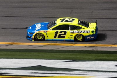 Ryan Blaney wins GEICO 500 in photo finish; Bubba Wallace finishes 14th