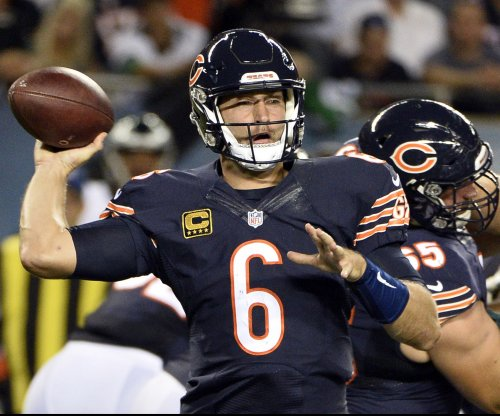 Jay Cutler back at QB for Chicago Bears -- at least for now