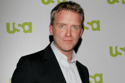 Anthony Michael Hall charged in confrontation with neighbor