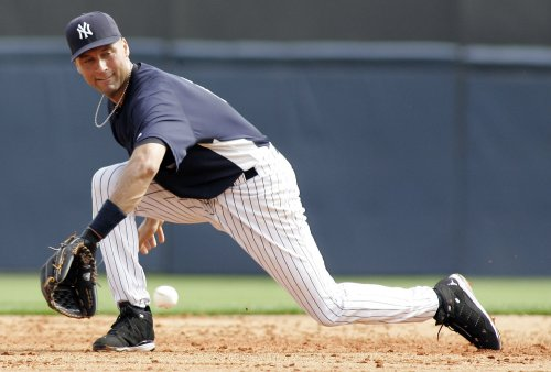 Jeter day-to-day with hand injury