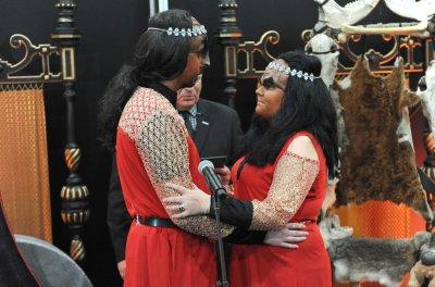 2 Trekkies marry in Klingon ceremony
