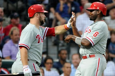 Cameron Rupp gets key hit in Philadelphia Phillies' 10-inning win