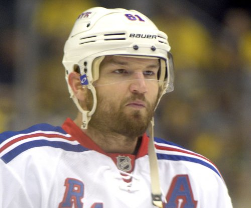 Rick Nash, Jimmy Vesey lead New York Rangers to victory