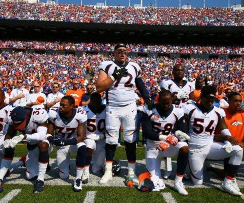 Denver Broncos, Buffalo Bills demonstrate during national anthem
