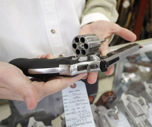 Senators submit bill to strengthen background check system for guns