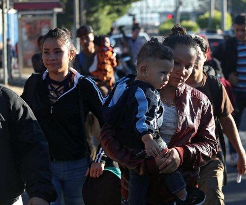Latest caravans from El Salvador, Honduras start treks to U.S.