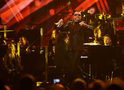 George Michael hurt in U.K. car crash