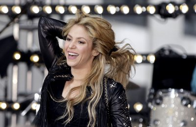 Shakira releases video for new single 'Empire'