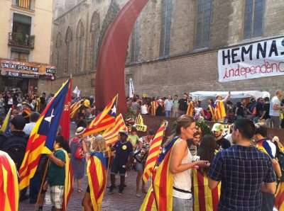 Barcelona demonstrates for Catalonia independence referendum