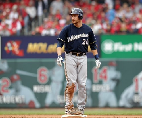 Texas Rangers acquire C Jonathan Lucroy from Milwaukee Brewers