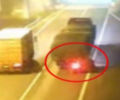 Car rear-ends semi truck, gets dragged for 16 miles
