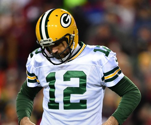 Aaron Rodgers engineers Green Bay Packers' late win over Chicago Bears
