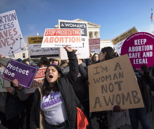 Federal judge blocks Trump ban on Title X abortion referrals