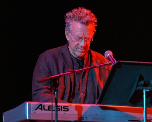 The Doors co-founder Ray Manzarek dead at 74