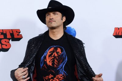 Robert Rodriguez discusses the long, unexpected life of 'Dusk Till Dawn'