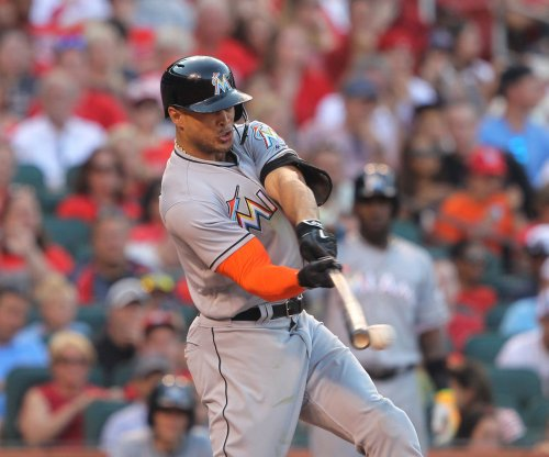 Giancarlo Stanton, Don Kelly power Miami Marlins to rout of Philadelphia Phillies