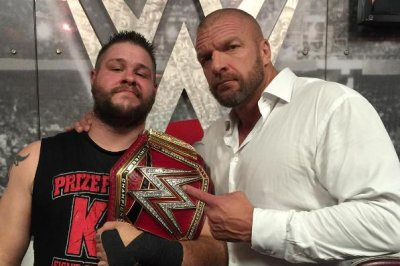 Kevin Owens crowned new WWE Universal Champion, Triple H returns on Raw