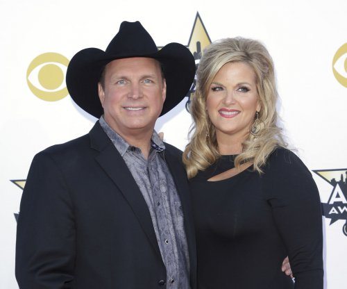 Garth Brooks, Trisha Yearwood set for Pearl Harbor 75th anniversary show