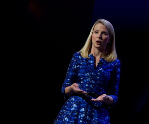 Yahoo CEO Mayer forfeiting yearly equity, bonus because of massive 2014 data breach