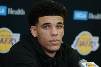 Los Angeles Lakers guard Lonzo Ball to miss game with groin injury