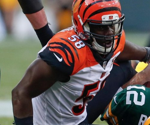 Carl Lawson: Cincinnati Bengals' DE loses teeth against Cleveland Browns