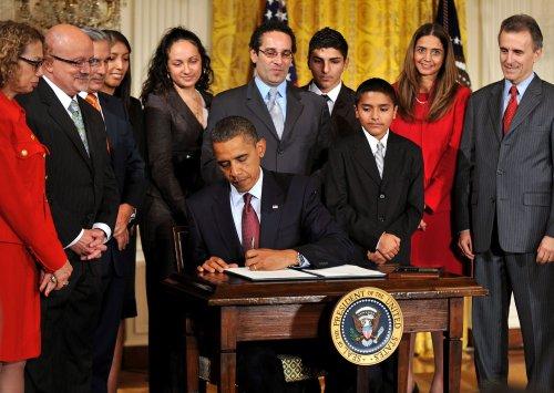 53 million Hispanics constitute 17 percent of U.S. population