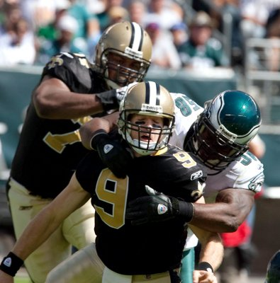 Drew Brees tops monthly NFC honorees
