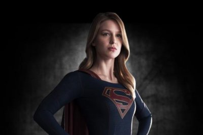 CBS releases first look at Melissa Benoist's 'Supergirl' costume