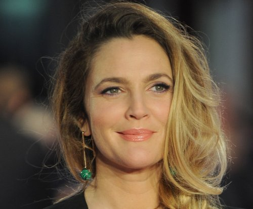 Drew Barrymore to star in new Netflix comedy series 'Santa Clarita Diet'