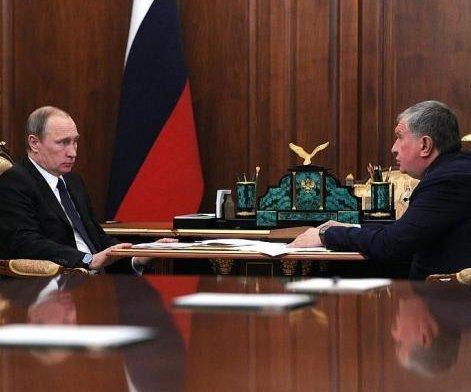Rosneft boosts profits, cuts debt