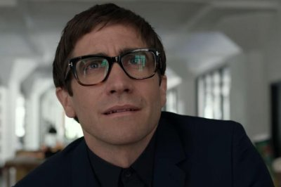 Jake Gyllenhaal is haunted by killer art in 'Velvet Buzzsaw' trailer