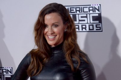 Alanis Morissette shares acoustic 'Ironic' from 'Jagged Little Pill' reissue