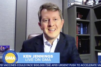 Ken Jennings shares Alex Trebek's 'Jeopardy!' hosting advice