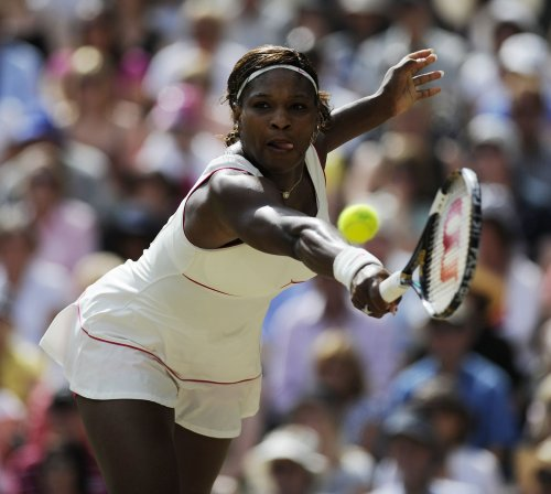 S. Williams returns to Wimbledon with win
