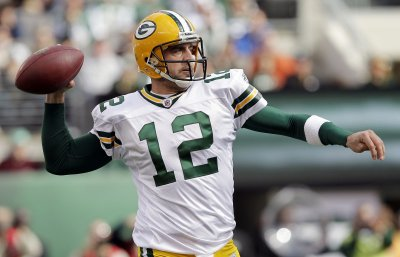 Packers' Rodgers practices