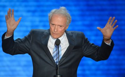 Clint Eastwood saves man from choking