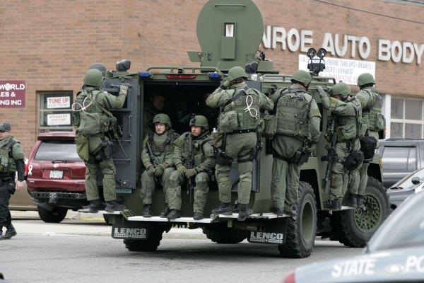 Webcam Captures Fallout Of Prank Call To Swat Team - Upicom-7787
