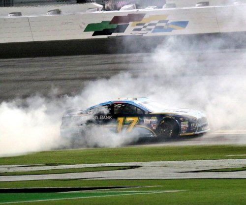 NASCAR: Ricky Stenhouse Jr. wins Coke Zero 400 at Daytona