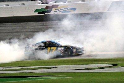 NASCAR: Ricky Stenhouse Jr. wins Coke Zero 400 at Daytona