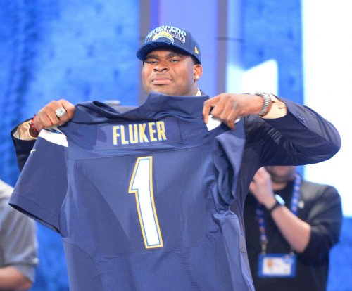 Seattle Seahawks agree to terms with OL D.J. Fluker