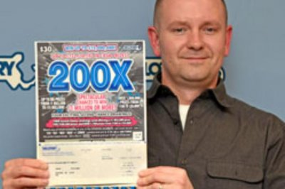 Man collects second $1 million lottery prize this year