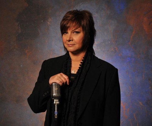 Country singer Dawn Sears dies at 53